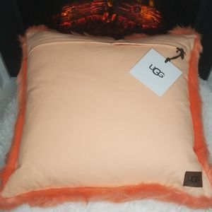 Ugg Royale Solid Throw Pillow (Fusion Coral)